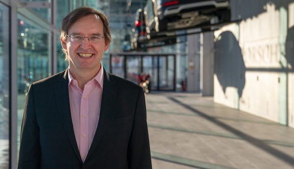 Porsche Informatik strengthens digital leadership with VMware